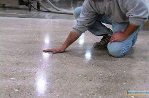 Как сделать бетонную стяжку - глянцевым полом?