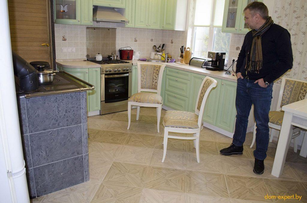 «Сменил русскую печь на финскую — и не пожалел!». История сына, подарившего родителям тепло в доме