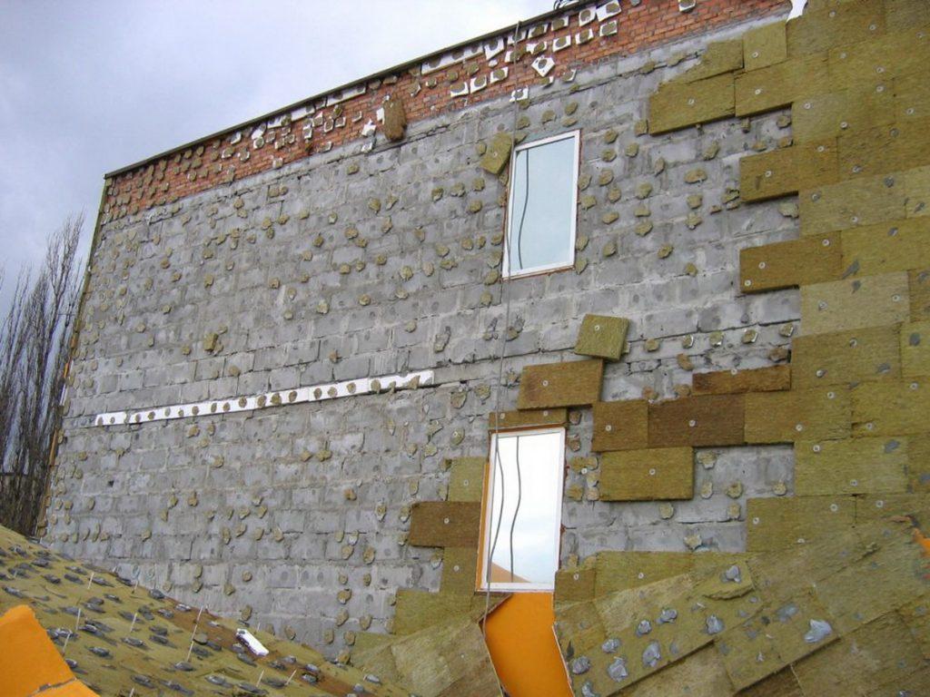 Технология утепления фасадов минеральной ватой своими руками.