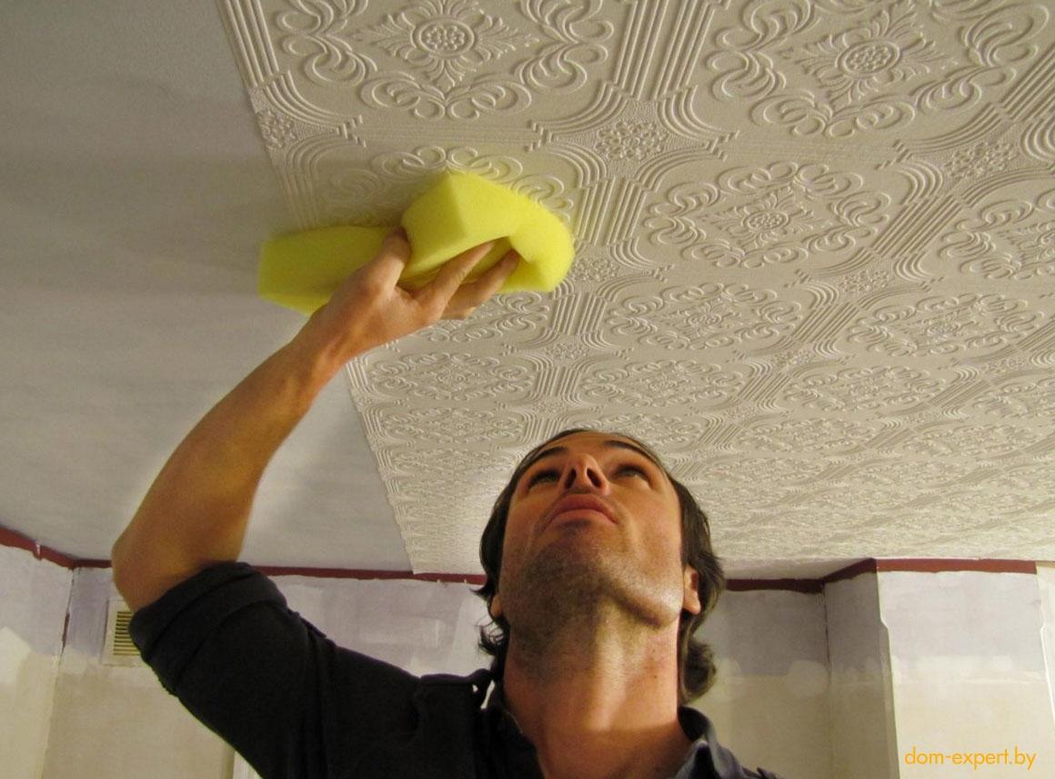 этой картинки оклейка потолка обоями украшают