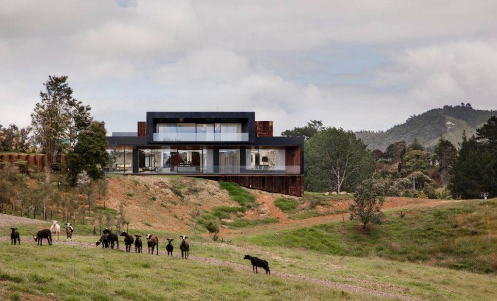 «Зачем строить дом, если можно жить в шалаше?». Архитекторы из «33|16» раскрыли приоритеты белорусов