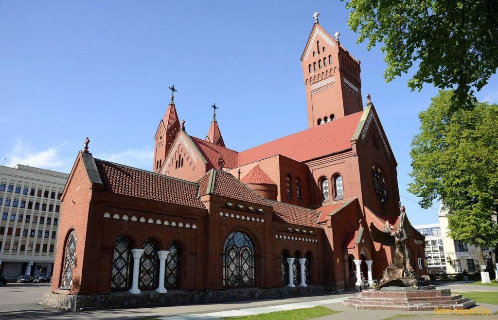 Топ-10 самых красивых зданий Минска (+ голосование)