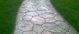 Печатный бетон против тротуарной плитки: сравниваем стоимость