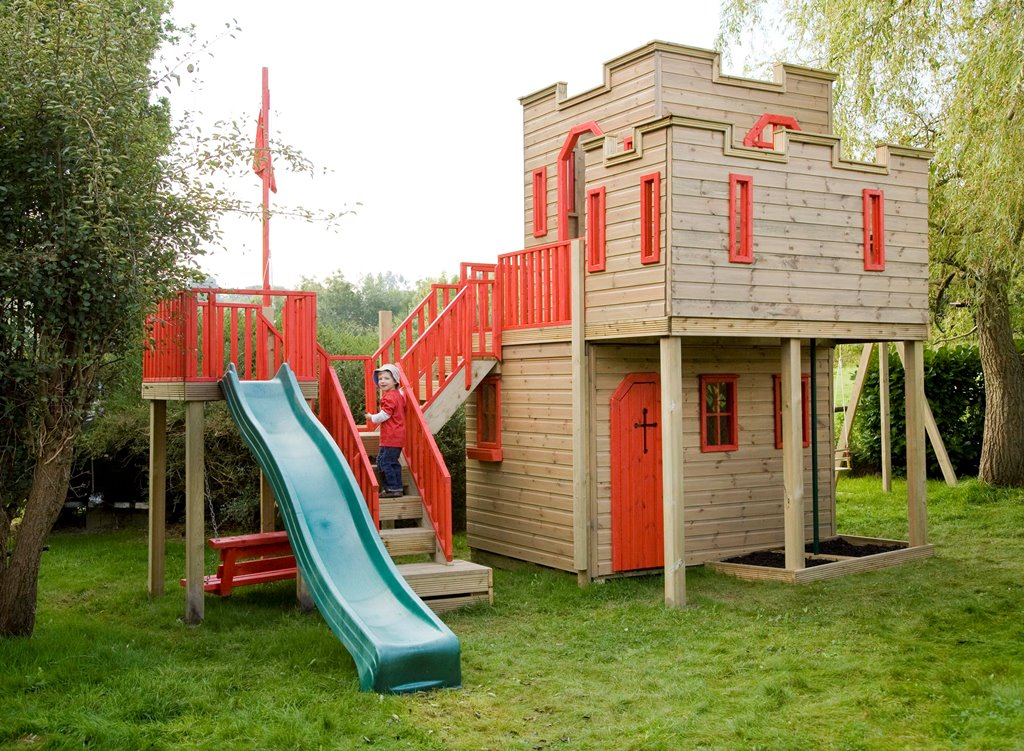 детский дом на сваях