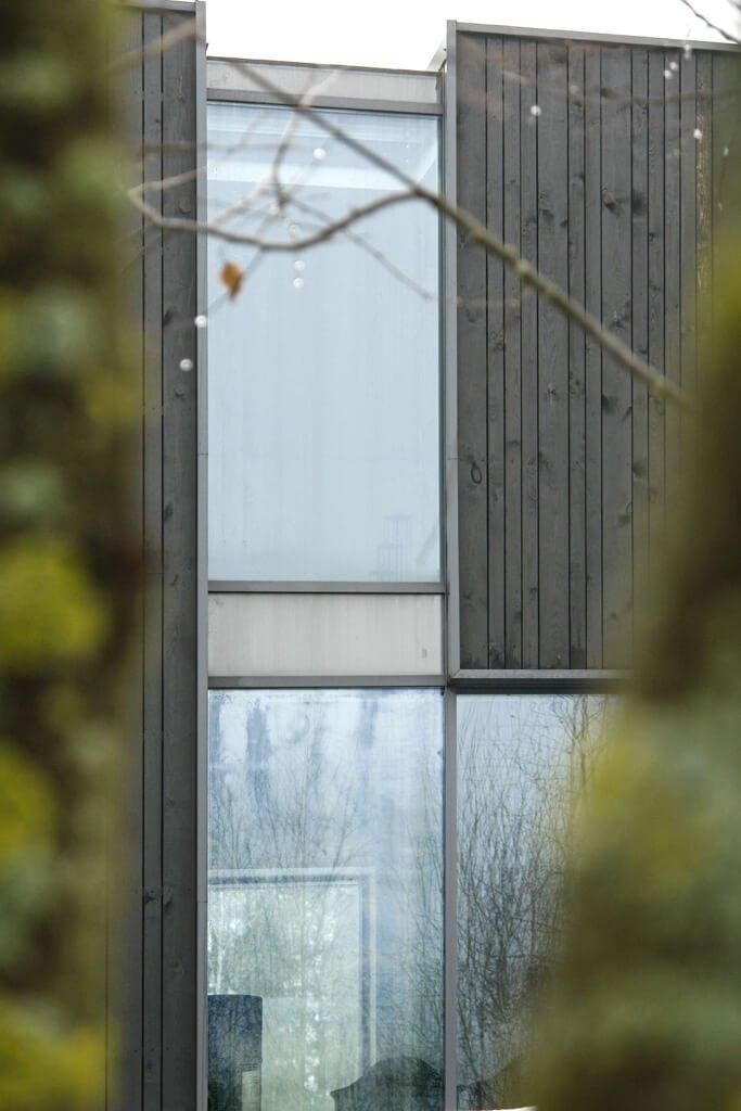 Белорусский обсидиан: как пережил две зимы самый крутой дом прошлого года?