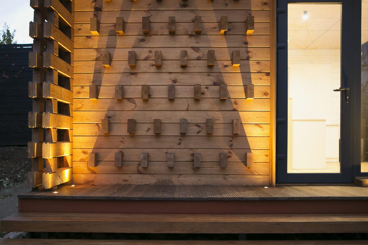Домик для мамы. Минский архитектор построил оригинальную дачу с «пирсом»