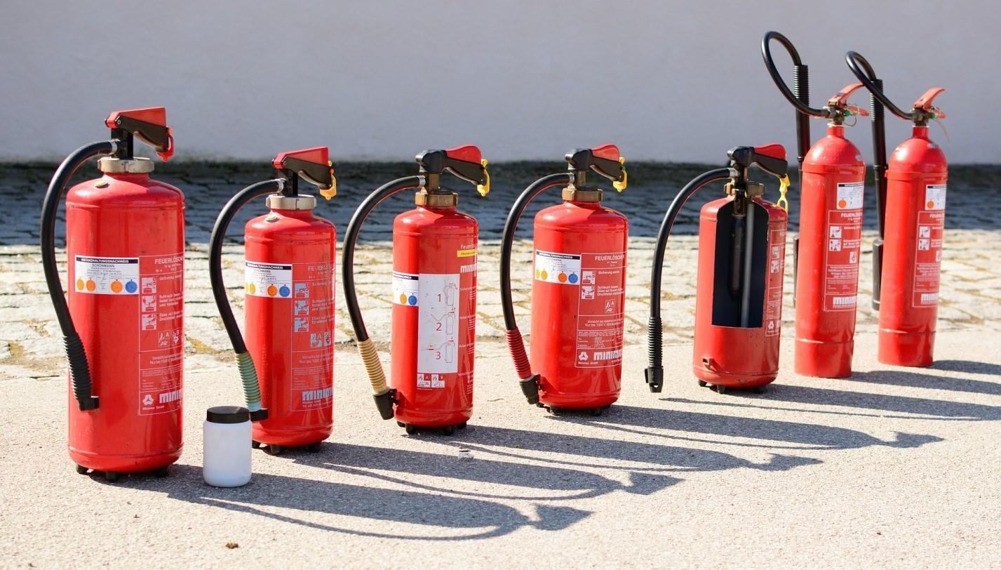 Противопожарная сигнализация и разновидности средств пожаротушения