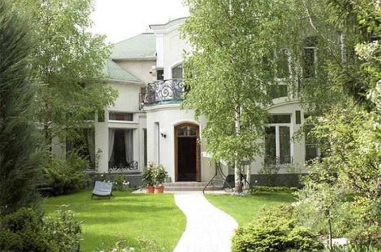 Уютное поместье Дмитрия Маликова