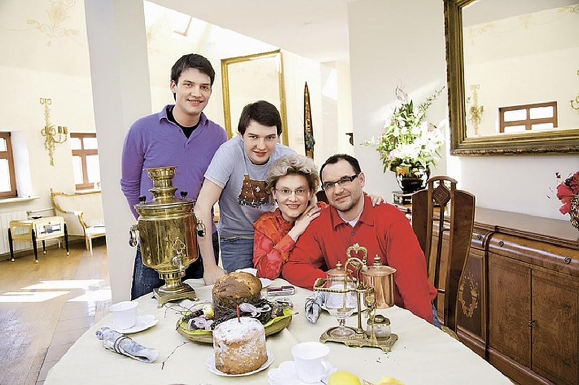 Как выглядит жилище харизматичного телеврача Елены Малышевой