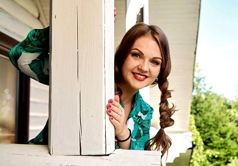 Народная певица Марина Девятова и ее дом