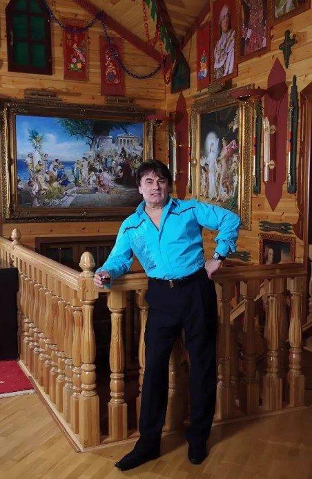 Как живёт артист российской эстрады Александр Серов