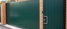 Забор и калитка из профлиста: быстро и доступно