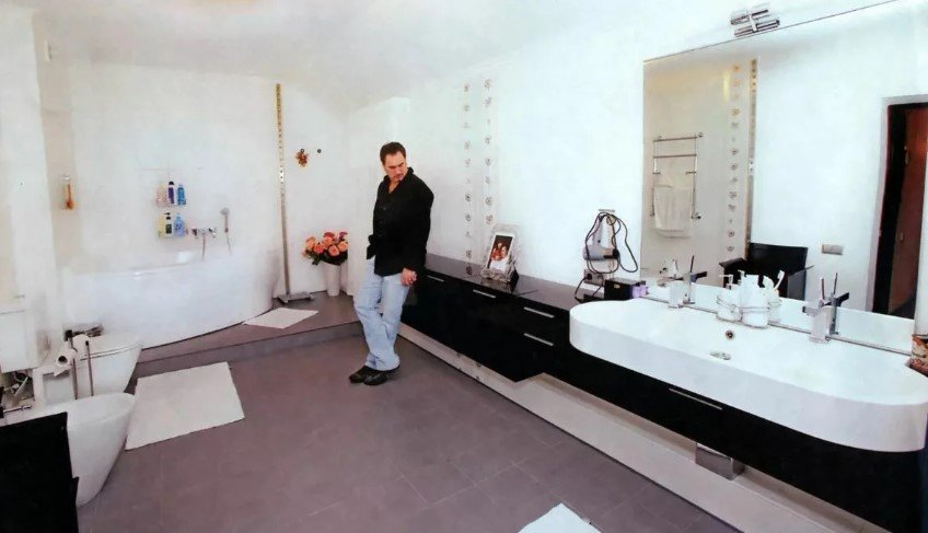 Какую недвижимость имеет Валерий Меладзе?