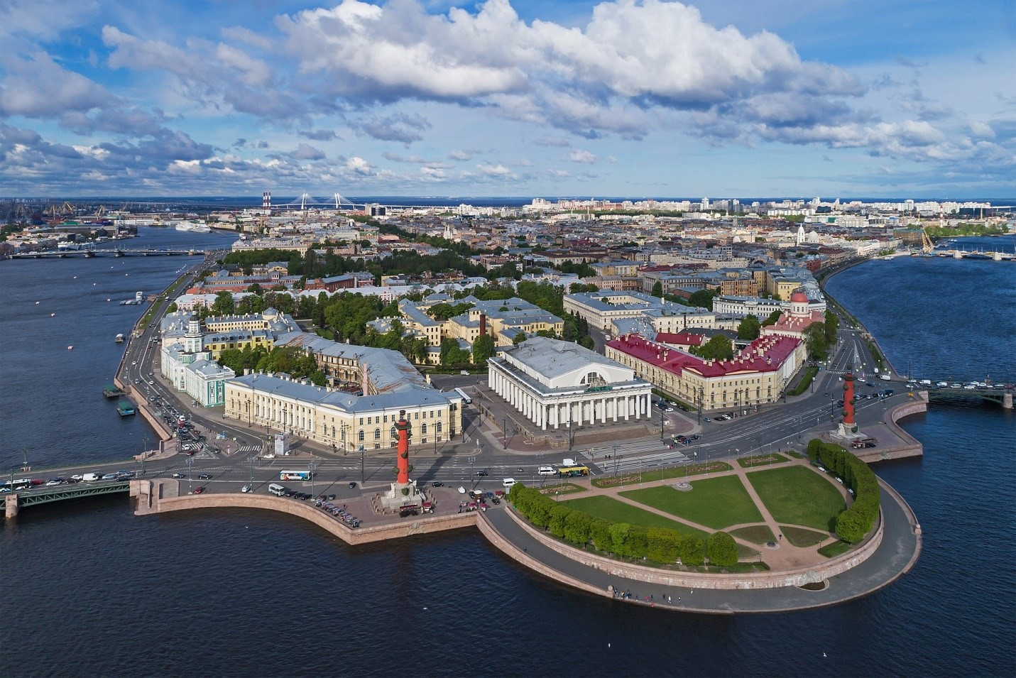 Какой недвижимостью владеет Людмила Путина