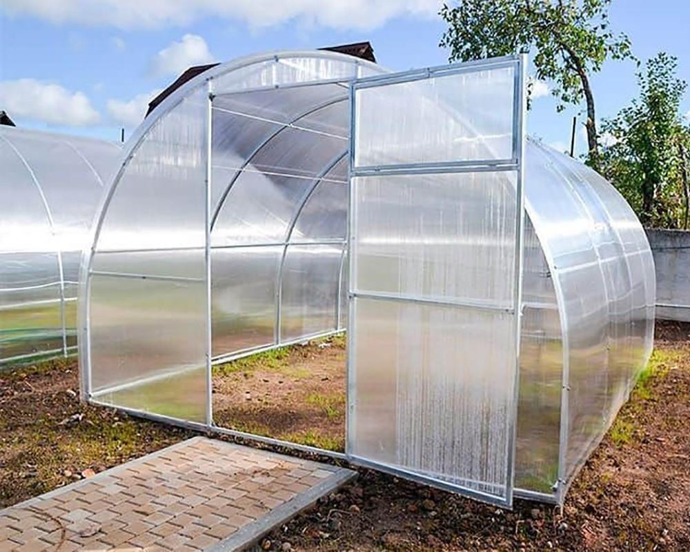 «Аксессуары», которые улучшают климат в теплице