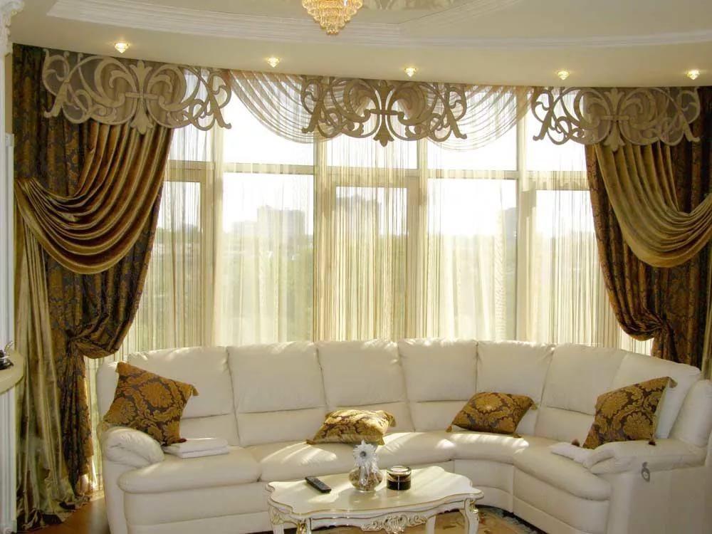 Как оформить окно в гостиной: советы и лайфхаки