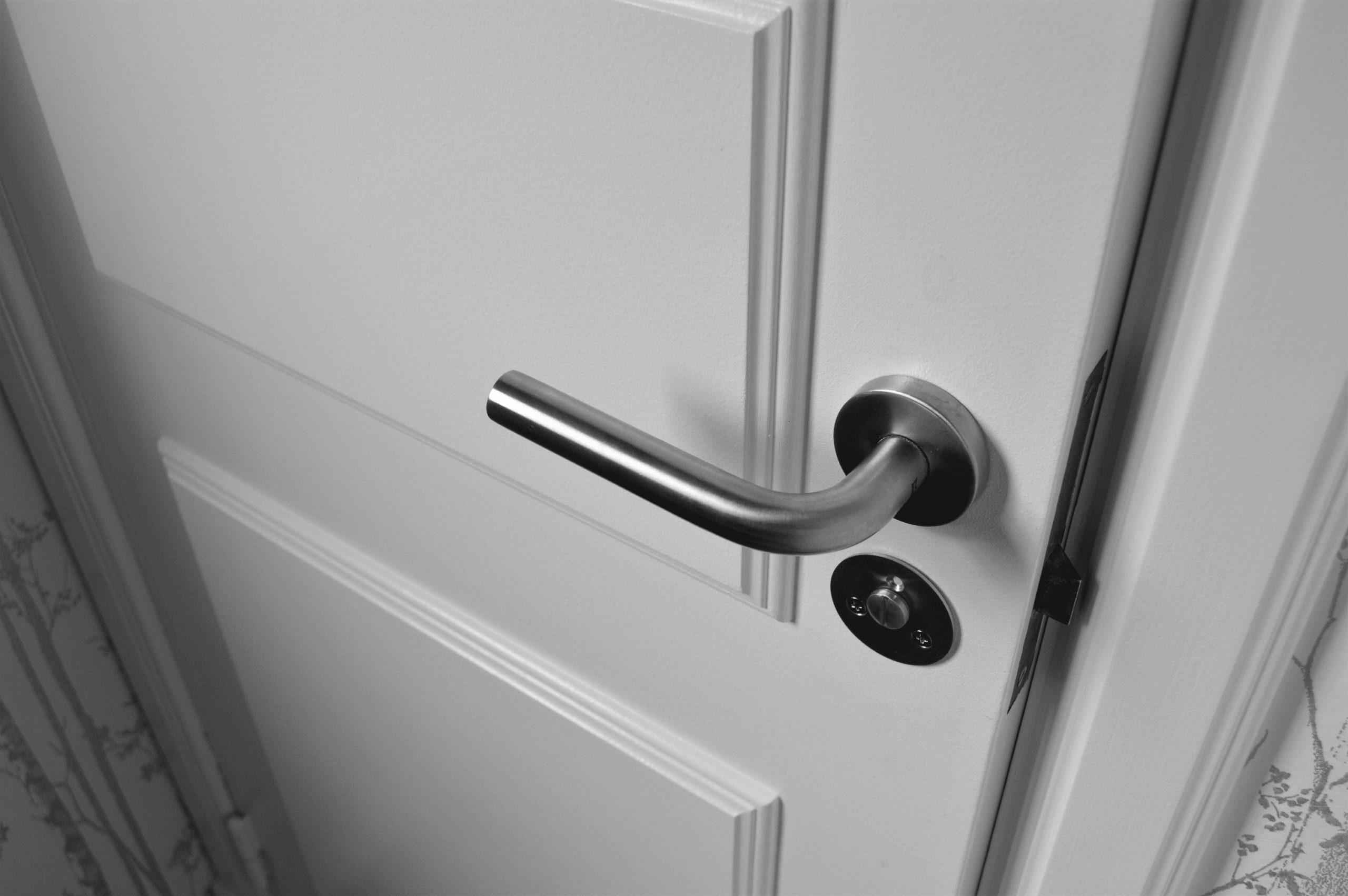 3 вещи, которые нужно знать перед покупкой дверей в ванную