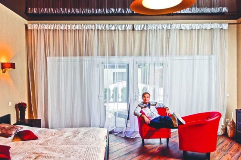 Как выглядит недвижимость юмориста Сергея Светлакова