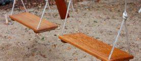 Как создать качели для детей на даче своими руками
