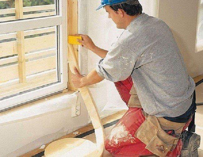 Как утеплить пластиковые и деревянные окна на зиму