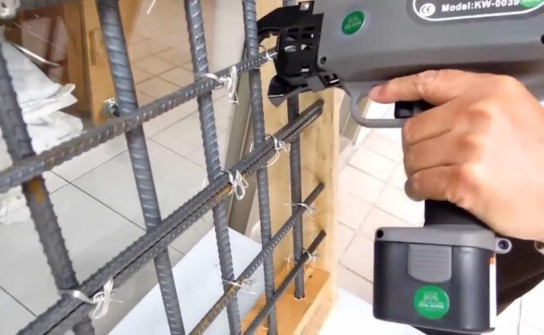 Армирование ленточного фундамента: материалы и вязка арматуры каркасов своими руками