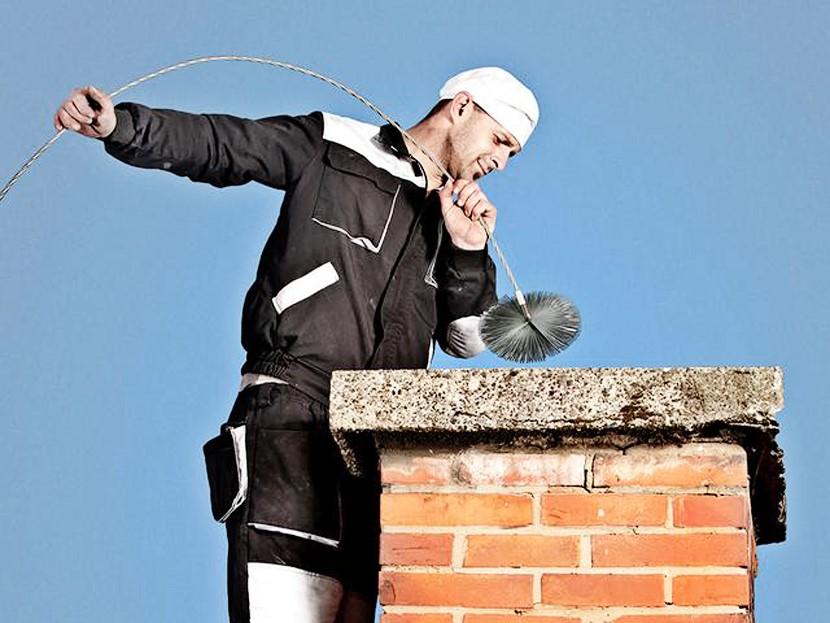 Несколько способов прочистить дымоходную трубу