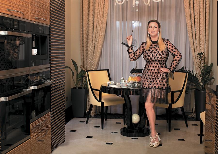 Какой недвижимостью владеет сексуальная Анна Семенович