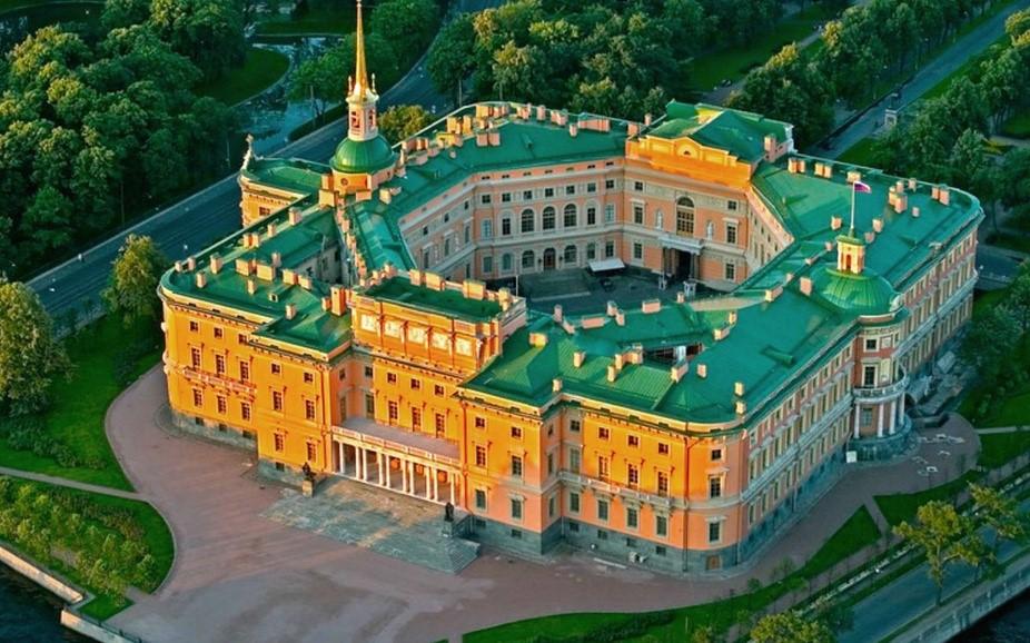 Как выглядит роскошная императорская резиденция Михайловский замок
