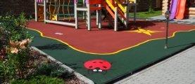 Особенности укладки резинового покрытия для детских площадок