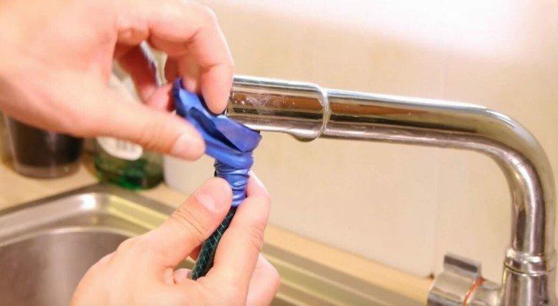 Как подсоединить шланг к неприспособленному для этой цели смесителю