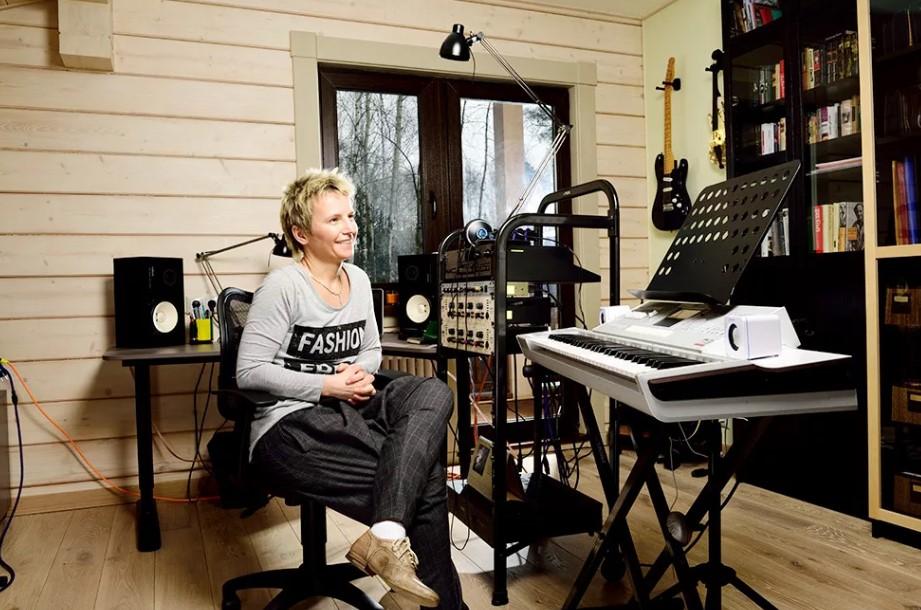 Светлана Сурганова: где живет бывшая солистка группы «Ночные снайперы»
