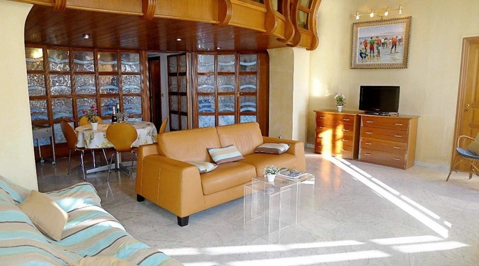 Жизнь Марины Анисимовой в дорогих французских апартаментах