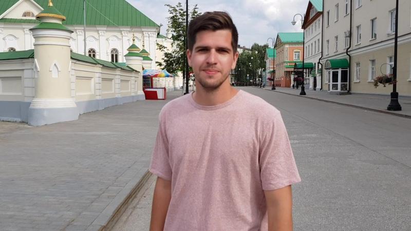 Успешная карьера красавчика Руслана Усачева: где живет блогер