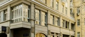 Где проживает президент Пенсионного фонда Антон Дроздов