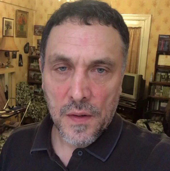 Как выглядит жилье журналиста Максима Шевченко?